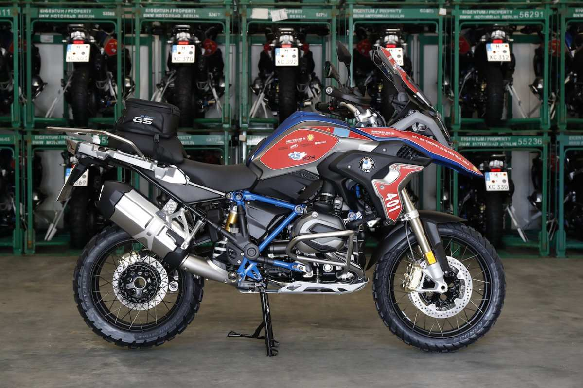 49 A 2019 Bmw Adventure Performance