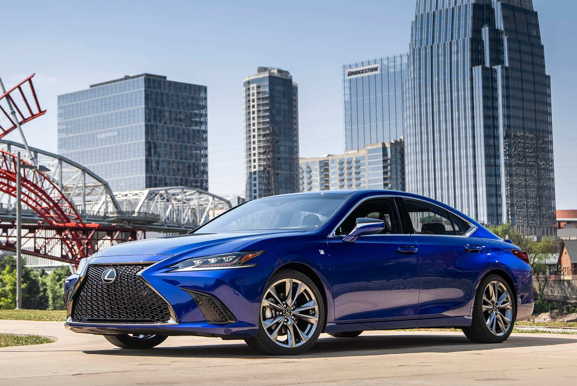 52 A 2019 Lexus Es Review Exterior