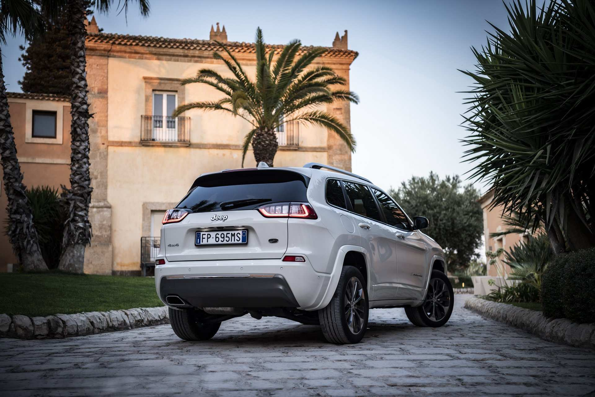 12 The Best 2019 Jeep Cherokee Diesel Concept And Review