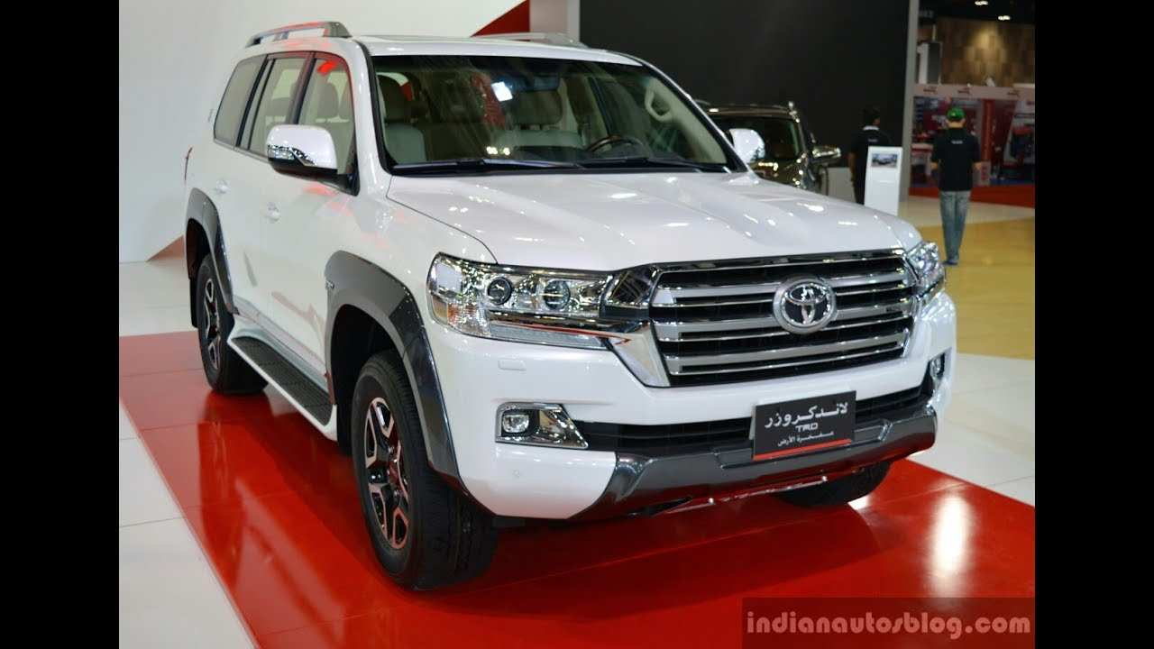 13 A 2020 Toyota Land Cruiser 200 Performance