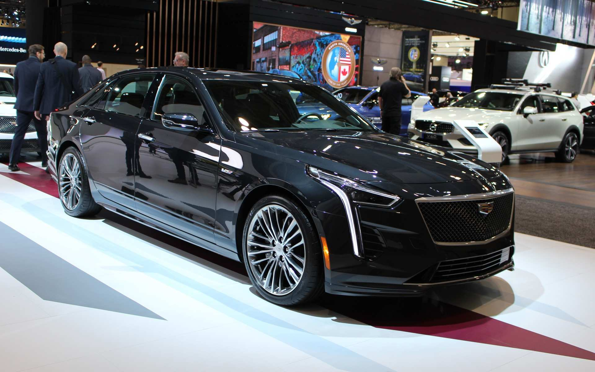 17 A 2020 Cadillac Ct6 V8 Wallpaper