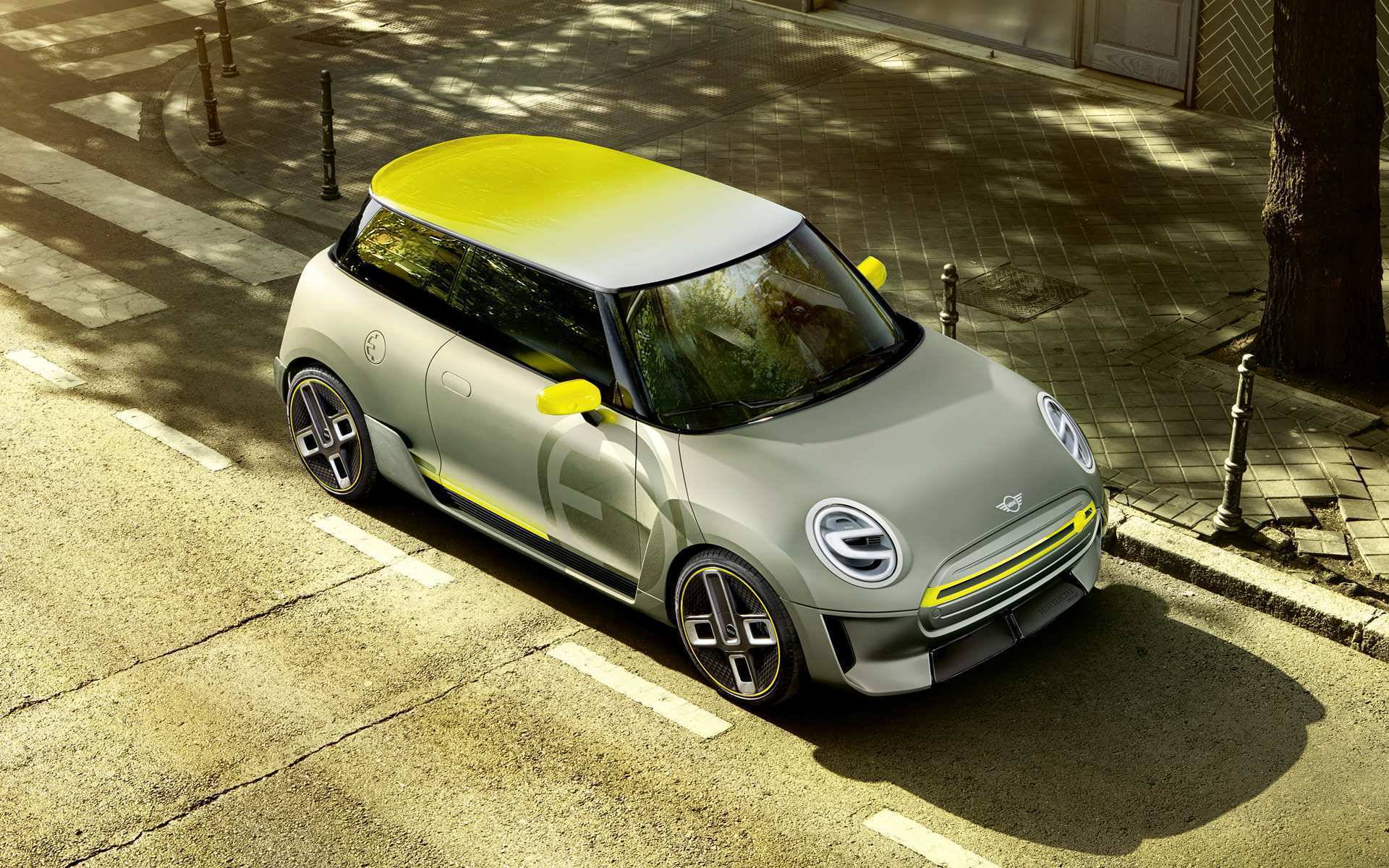 18 A 2019 Electric Mini Cooper Performance And New Engine