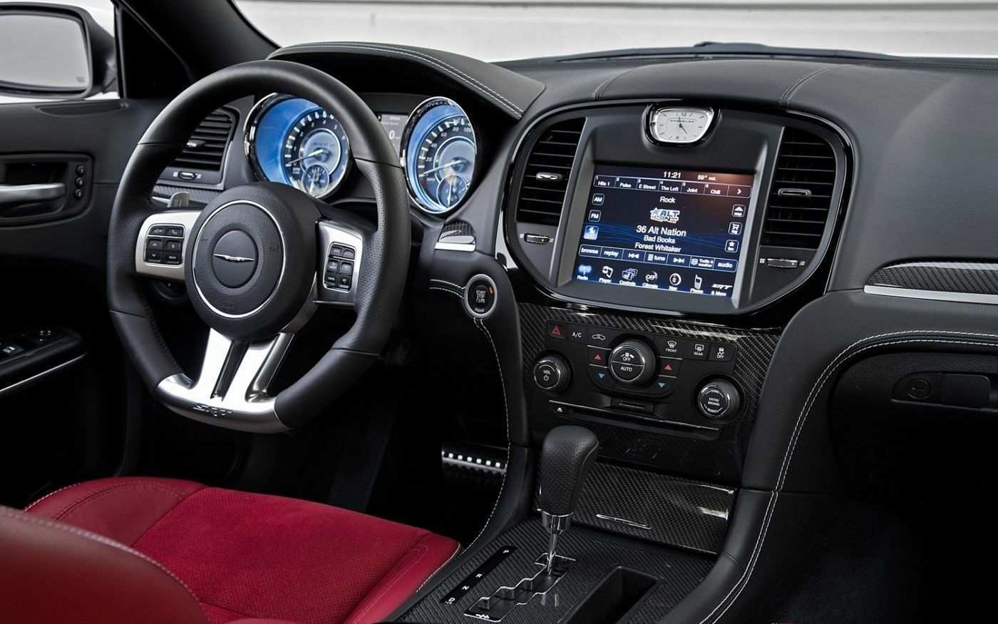 32 A 2019 Chrysler 300 Interior Pictures