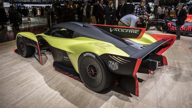 35 The 2019 Aston Martin Valkyrie Spy Shoot