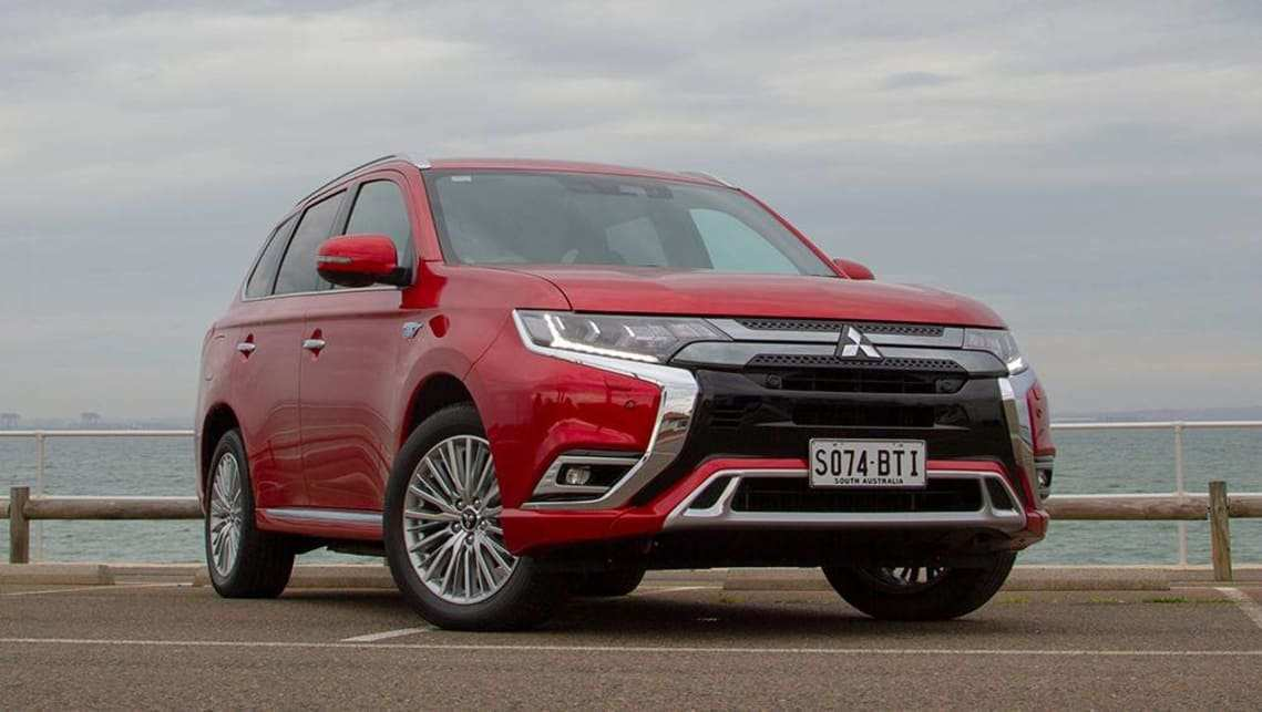 36 New 2019 Mitsubishi Outlander Phev Review New Model And Performance