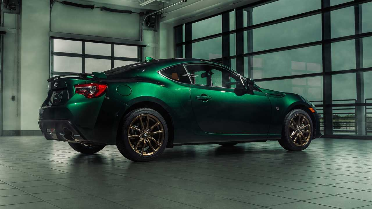 37 A 2020 Toyota 86 Review