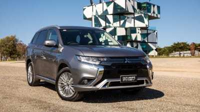 43 The Best 2019 Mitsubishi Outlander Phev Review Speed Test