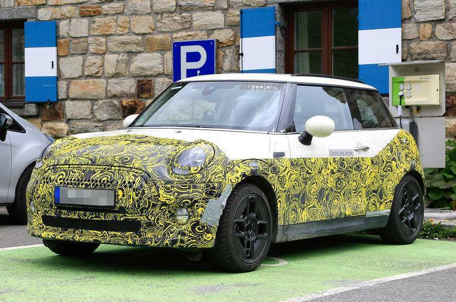 47 A 2019 Mini Cooper Electric Picture