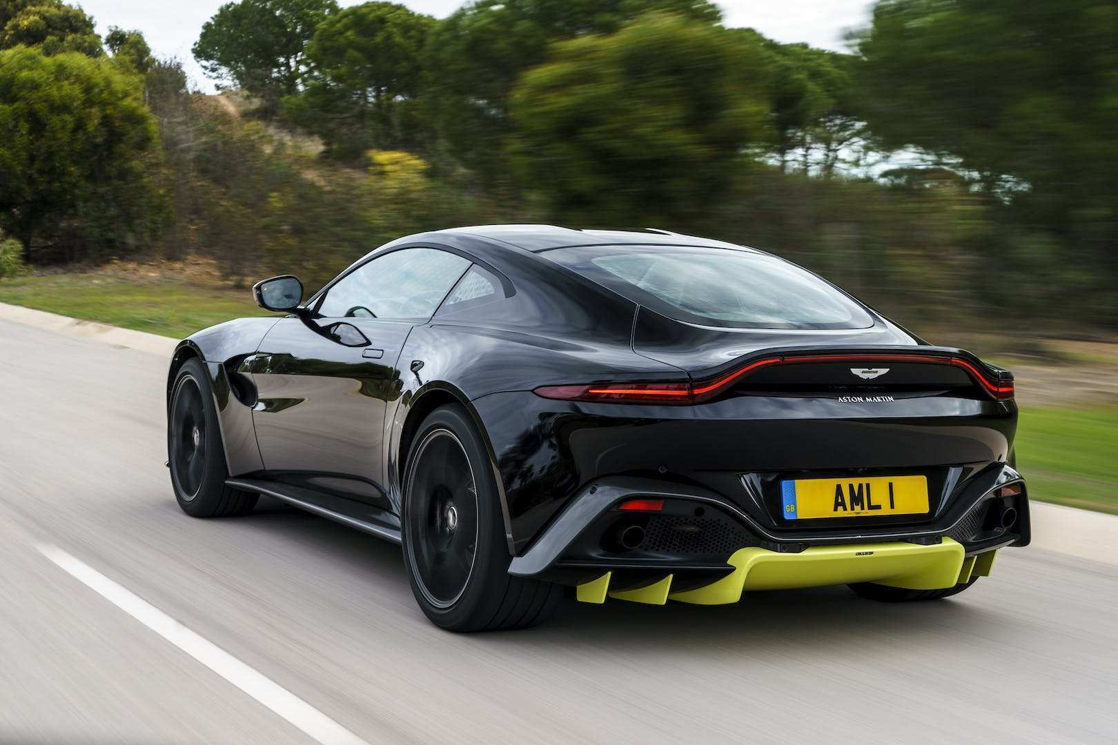 64 The 2019 Aston Martin Vantage Review Review And Release Date