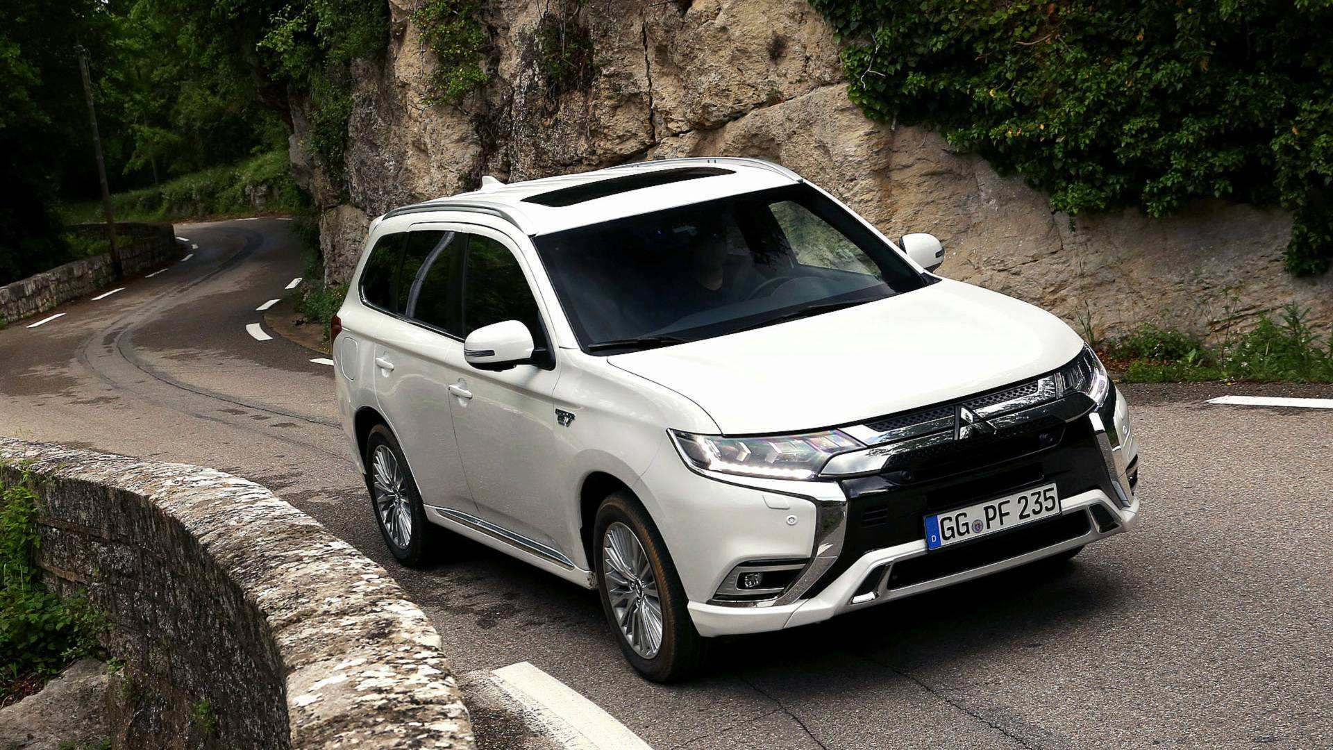67 Best 2019 Mitsubishi Outlander Phev Review Concept