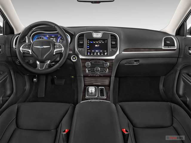71 The 2019 Chrysler 300 Interior Pricing