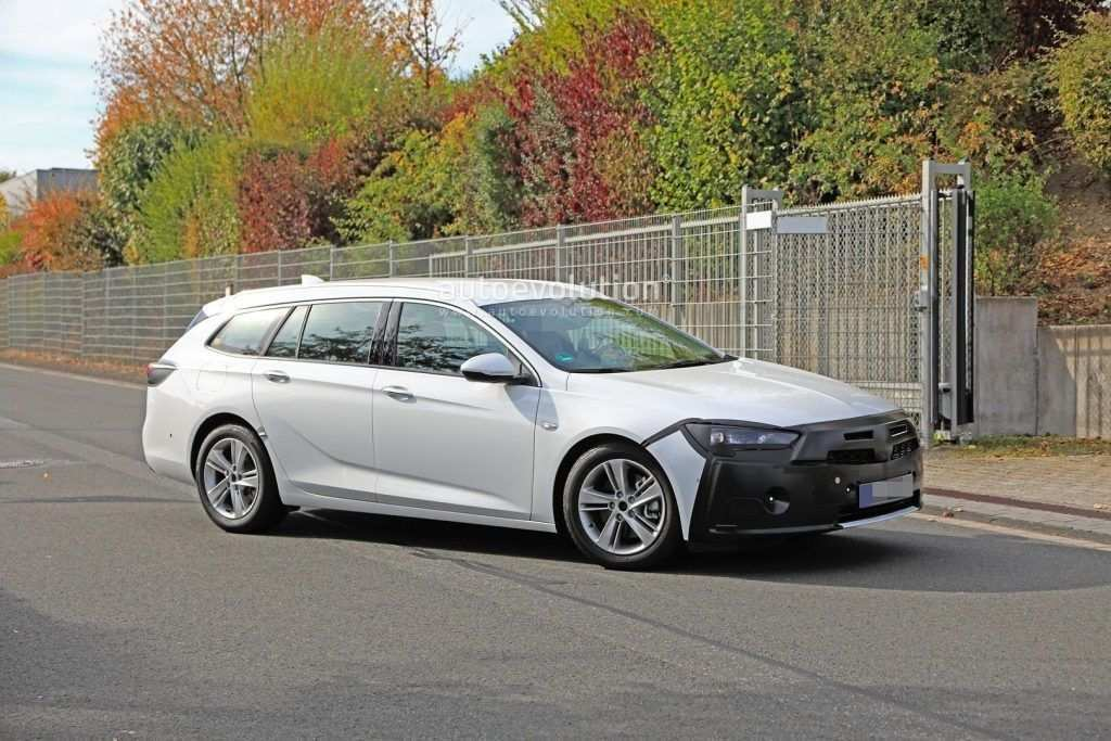 74 A Opel Insignia Opc 2020 Review