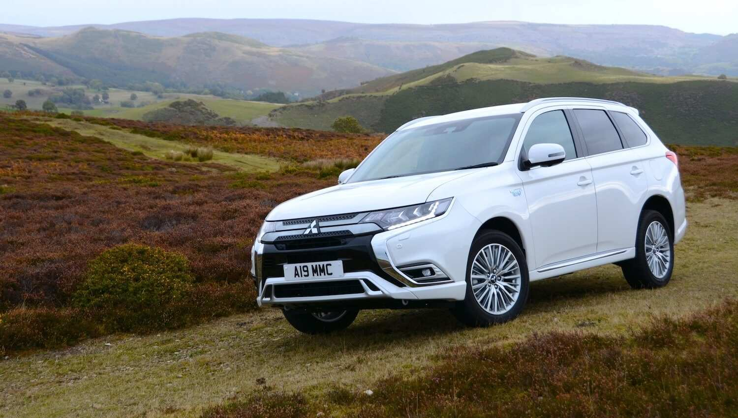 79 A 2019 Mitsubishi Outlander Phev Review Spesification