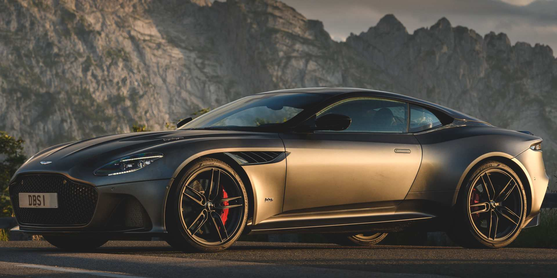 82 The Best 2019 Aston Dbs Concept