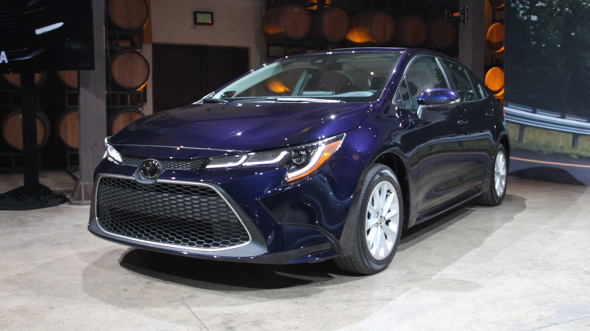 84 All New Toyota Altis 2020 Thailand Picture
