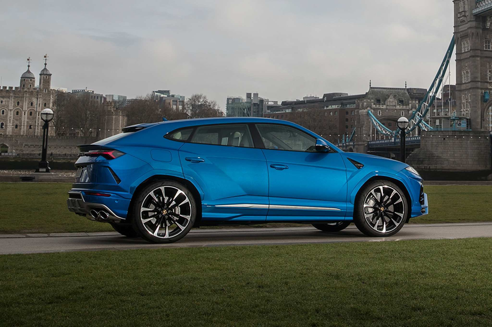 86 All New 2019 Lamborghini Urus Review Engine