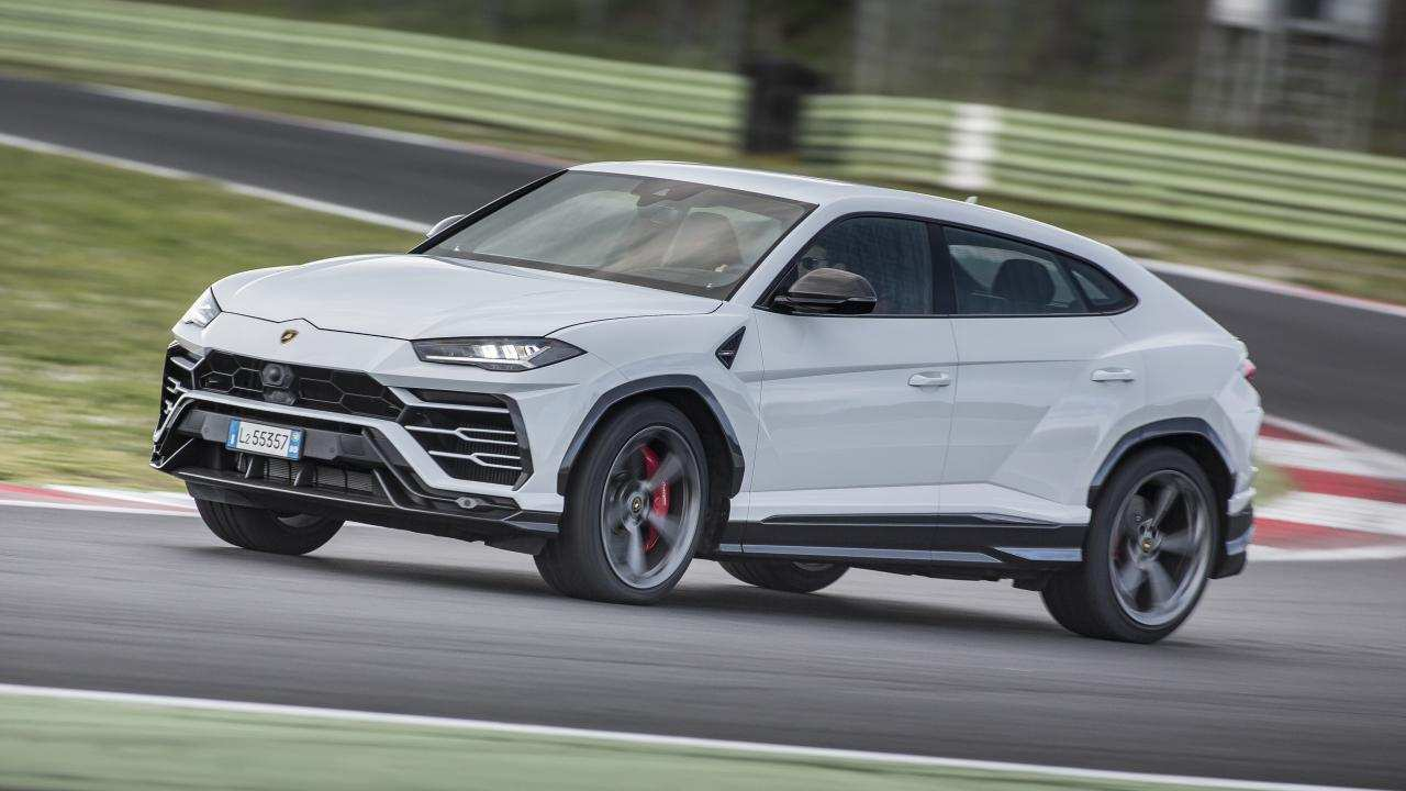 94 A 2019 Lamborghini Urus Review Speed Test