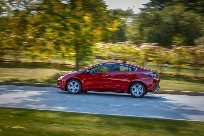 97 A Chevrolet Volt Sport 2020 Photos