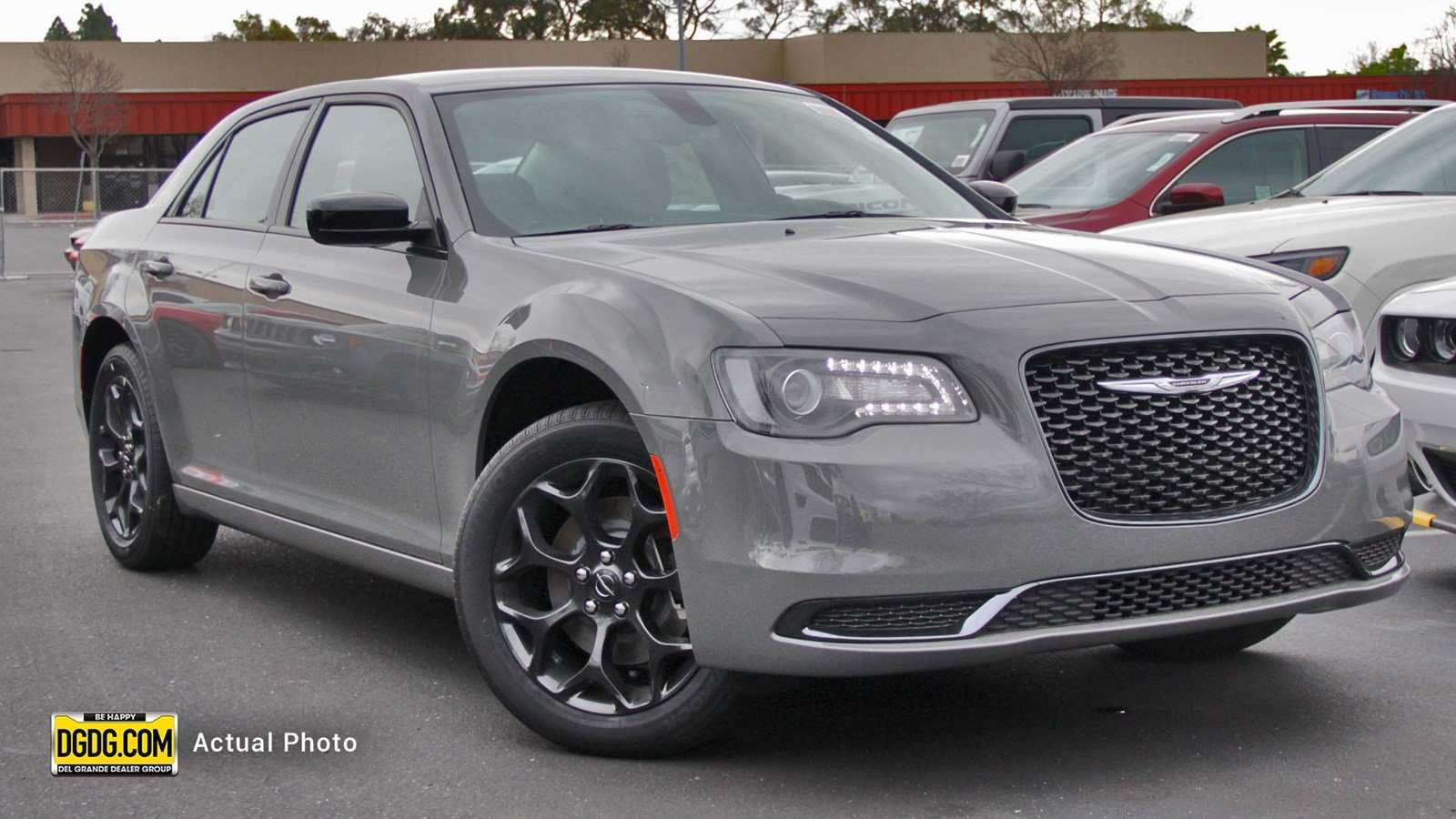 17 The Chrysler 300C 2019 Pictures