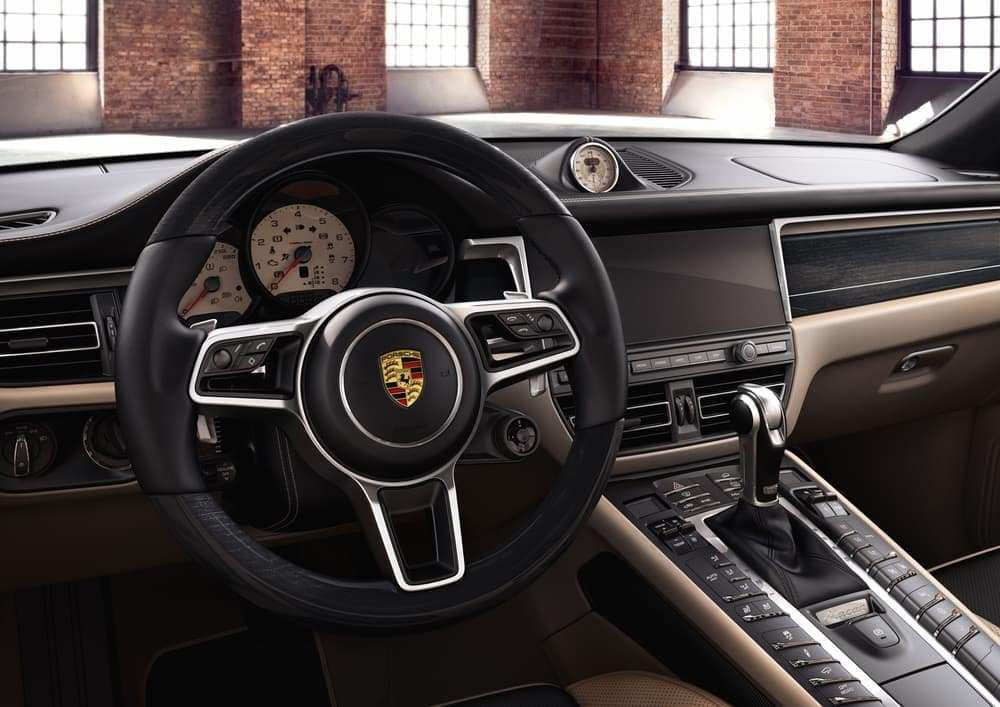 18 A 2019 Porsche Macan Interior Overview