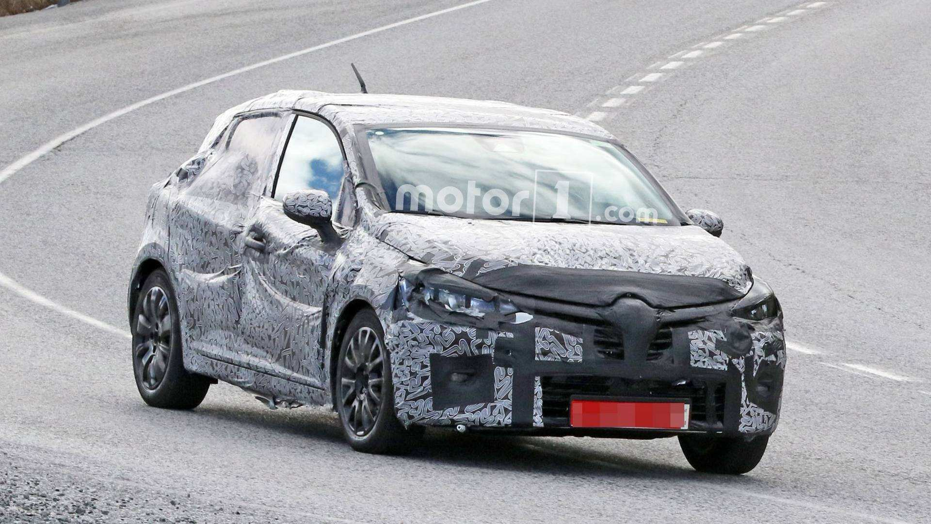 25 A Renault Clio 2019 Spy Picture