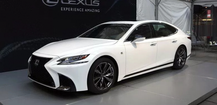 27 The 2019 Lexus Is 200T Photos
