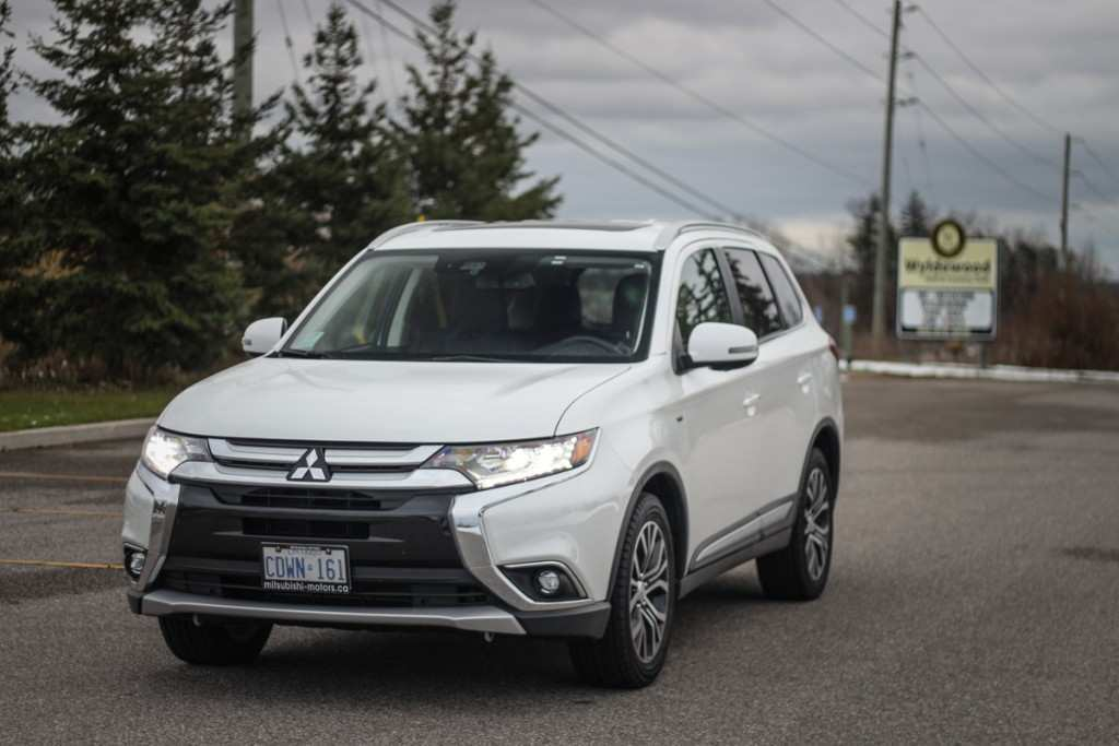 28 A 2019 Mitsubishi Outlander Gt Review