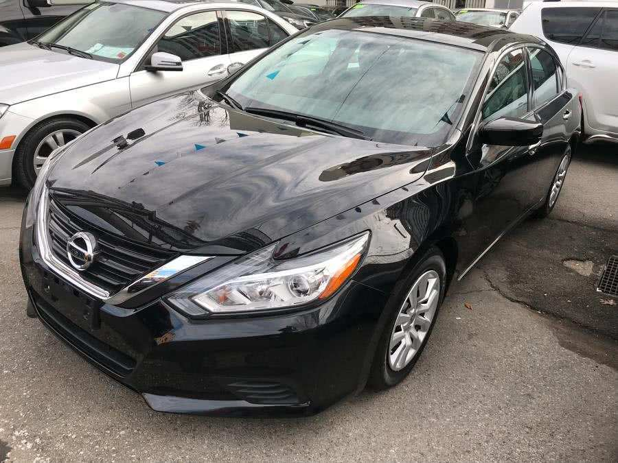 30 A Black Nissan Altima Overview