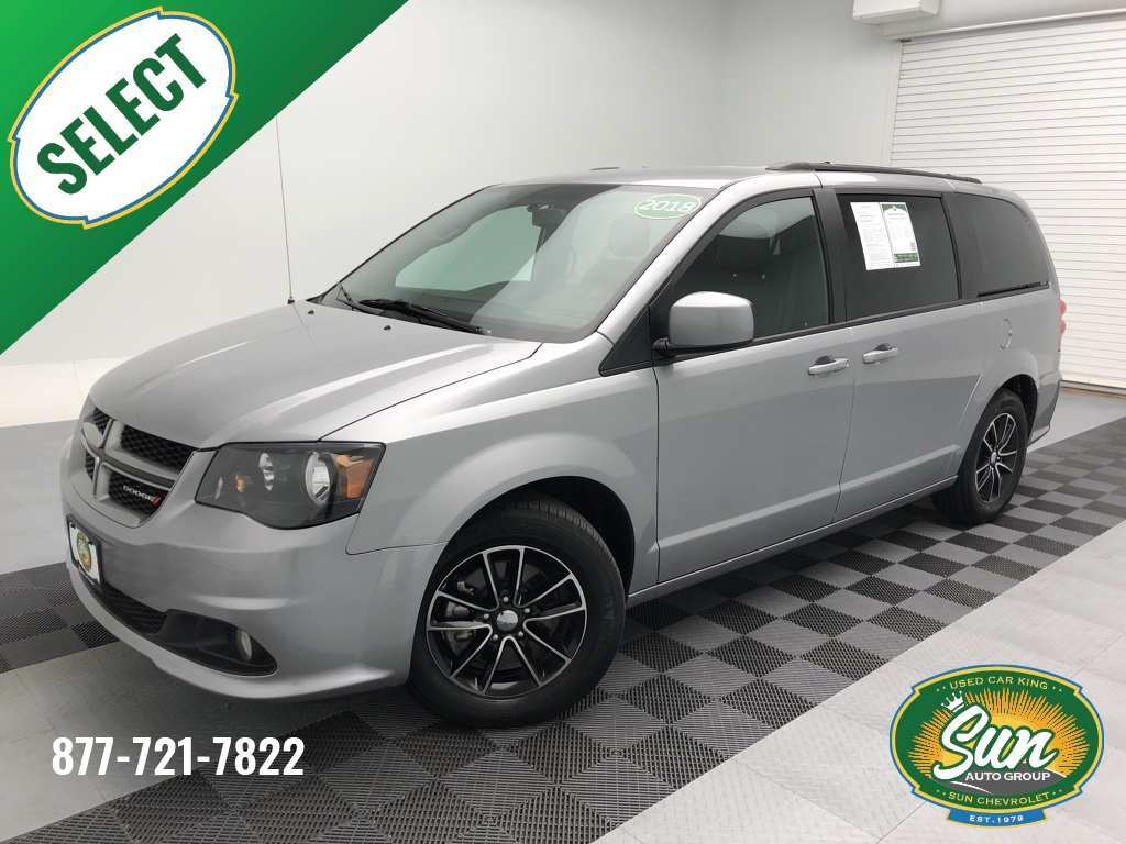 32 A 2020 Dodge Grand Caravan Gt Exterior and Interior