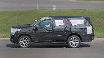 33 A Chevrolet Suburban 2020 Spy Shots Configurations