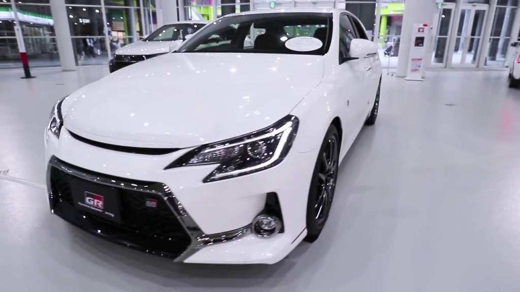 37 The 2019 Toyota Mark X Exterior