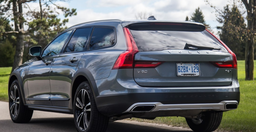 51 The Volvo V90 Cross Country 2020 Images