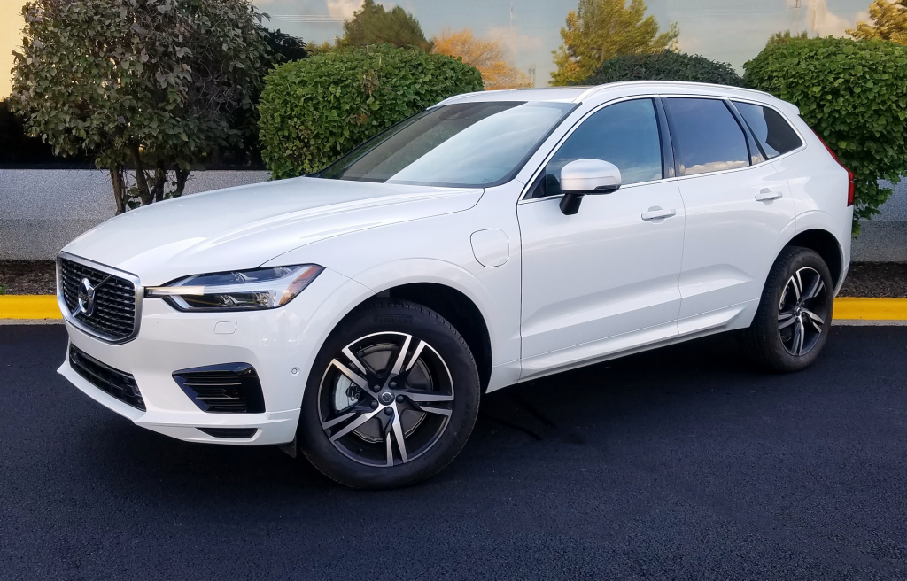 52 A 2019 Volvo Hybrid Photos