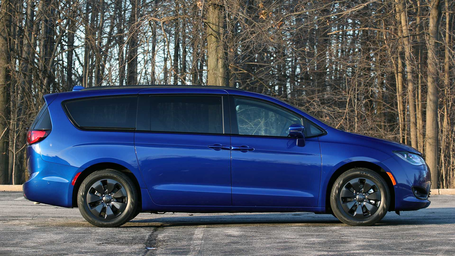 53 A 2019 Chrysler Pacifica Review Review