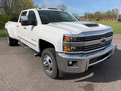 56 A 2019 Chevrolet 3500 Style