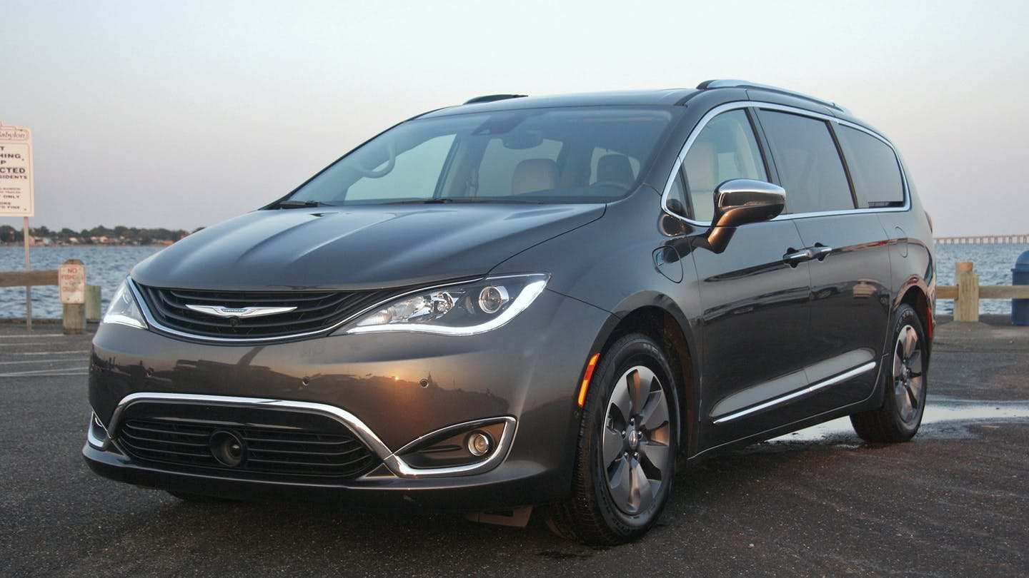 56 New 2019 Chrysler Pacifica Review Performance And New Engine
