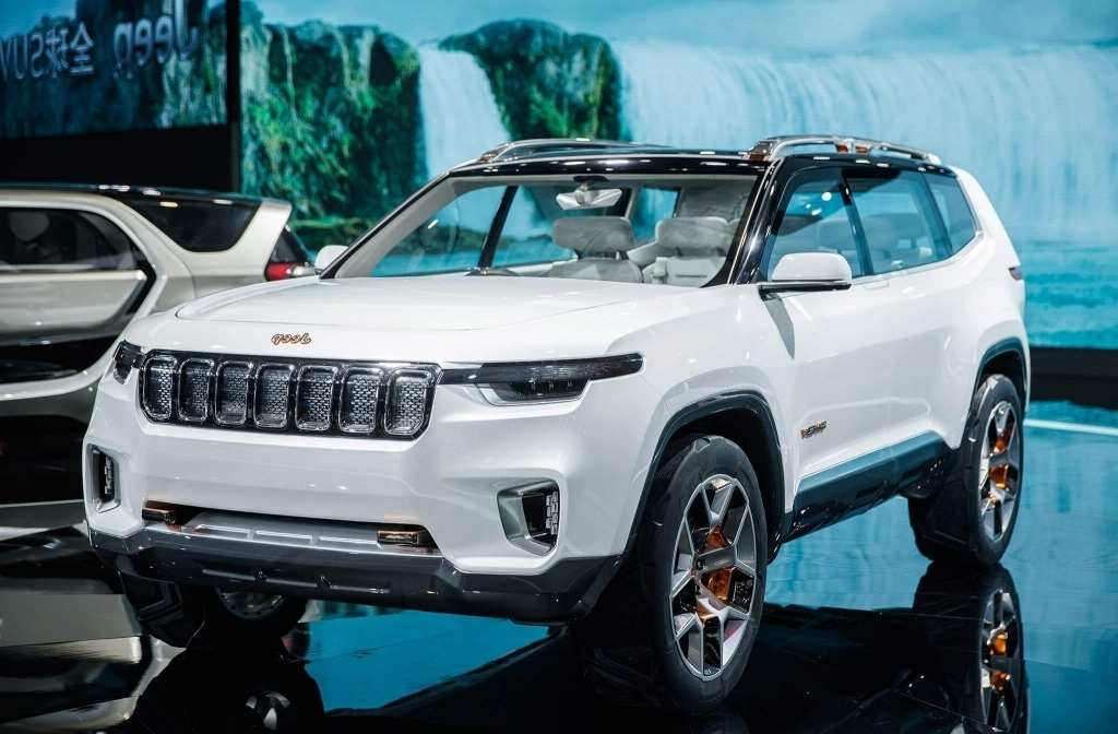 66 A 2020 Jeep Grand Cherokee Spy Photos Redesign And Concept