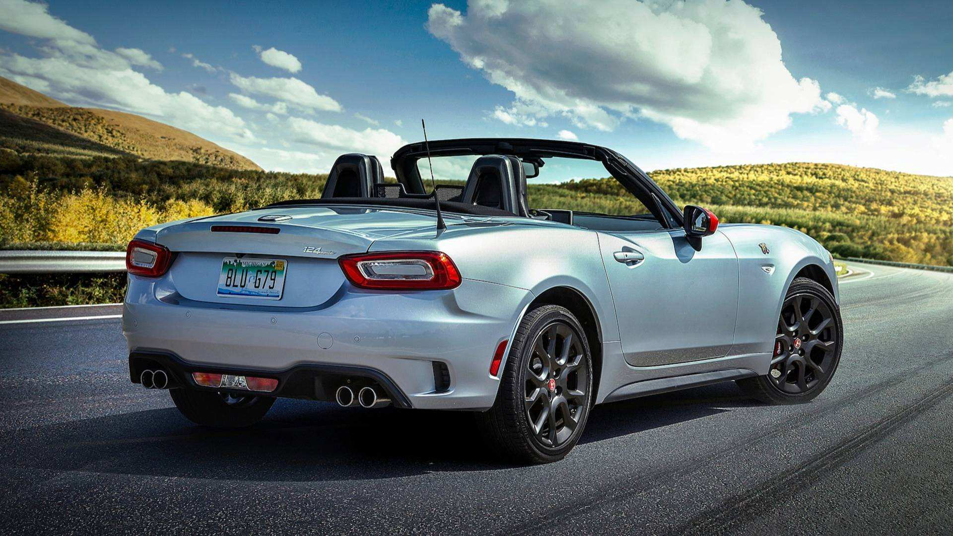 67 A 2019 Fiat Abarth 124 Spider Ratings