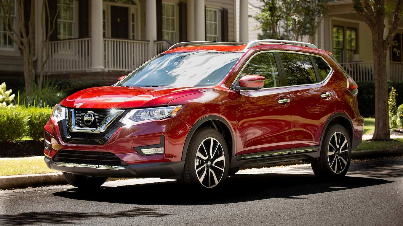 67 A 2019 Nissan Rogue Engine Spy Shoot