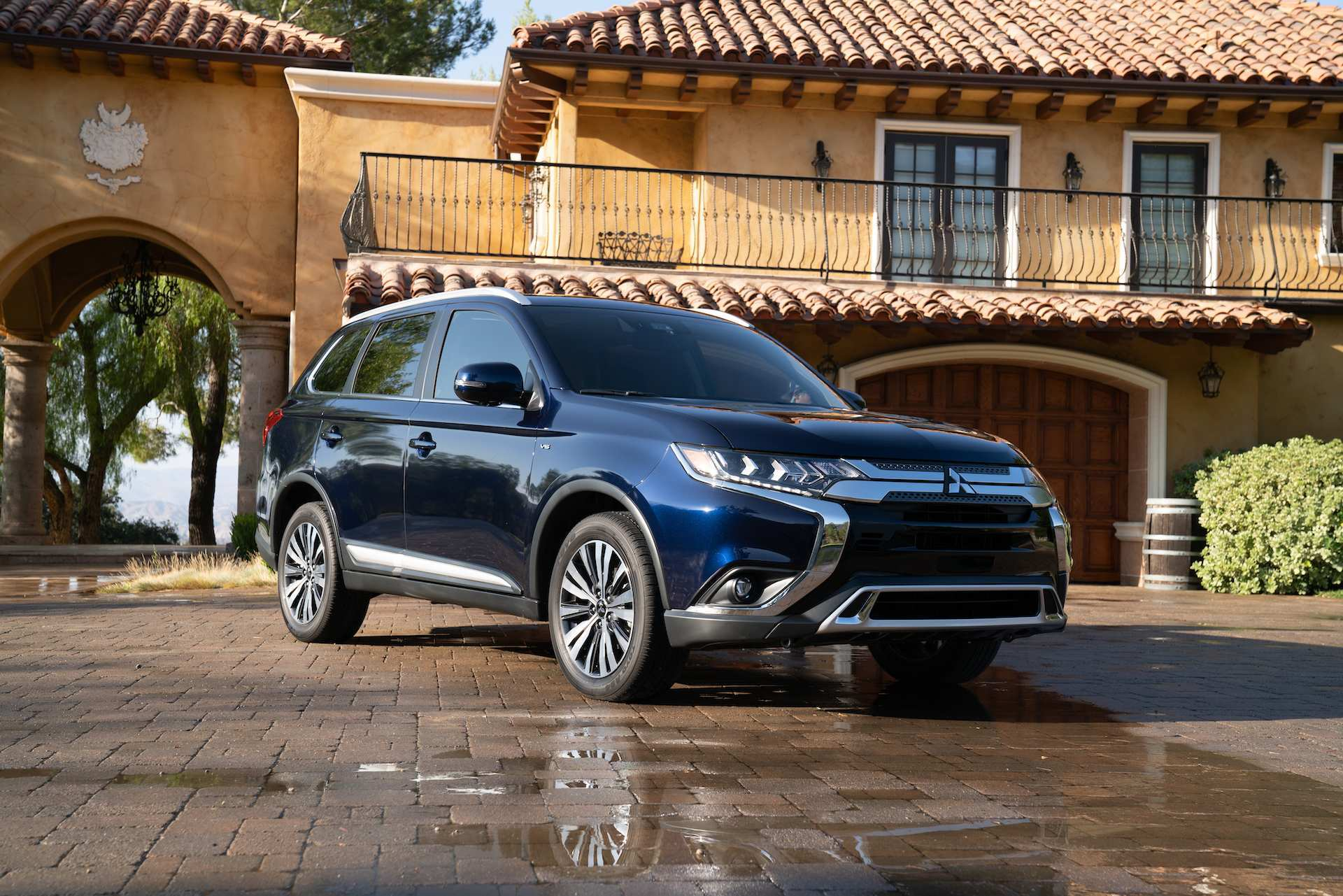 68 New Mitsubishi Outlander Plug In Hybrid 2020 Release Date And Concept