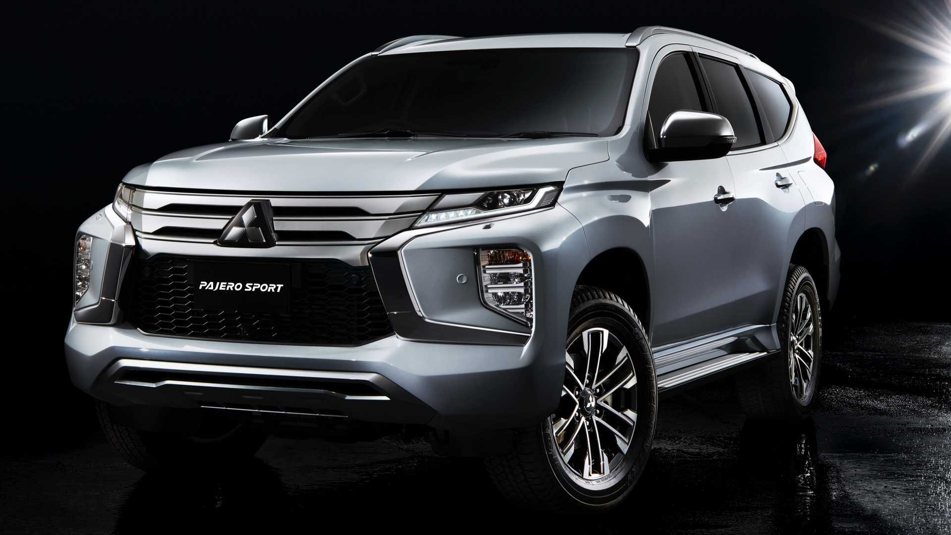 74 New Mitsubishi Montero Limited 2020 Interior