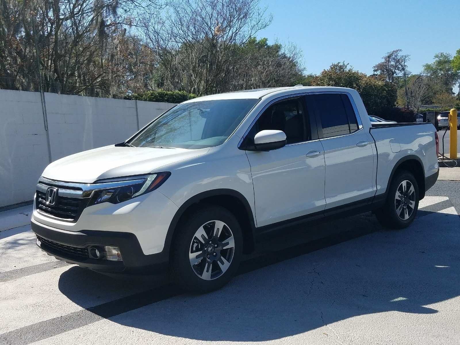 86 The 2020 Honda Ridgelineand Research New