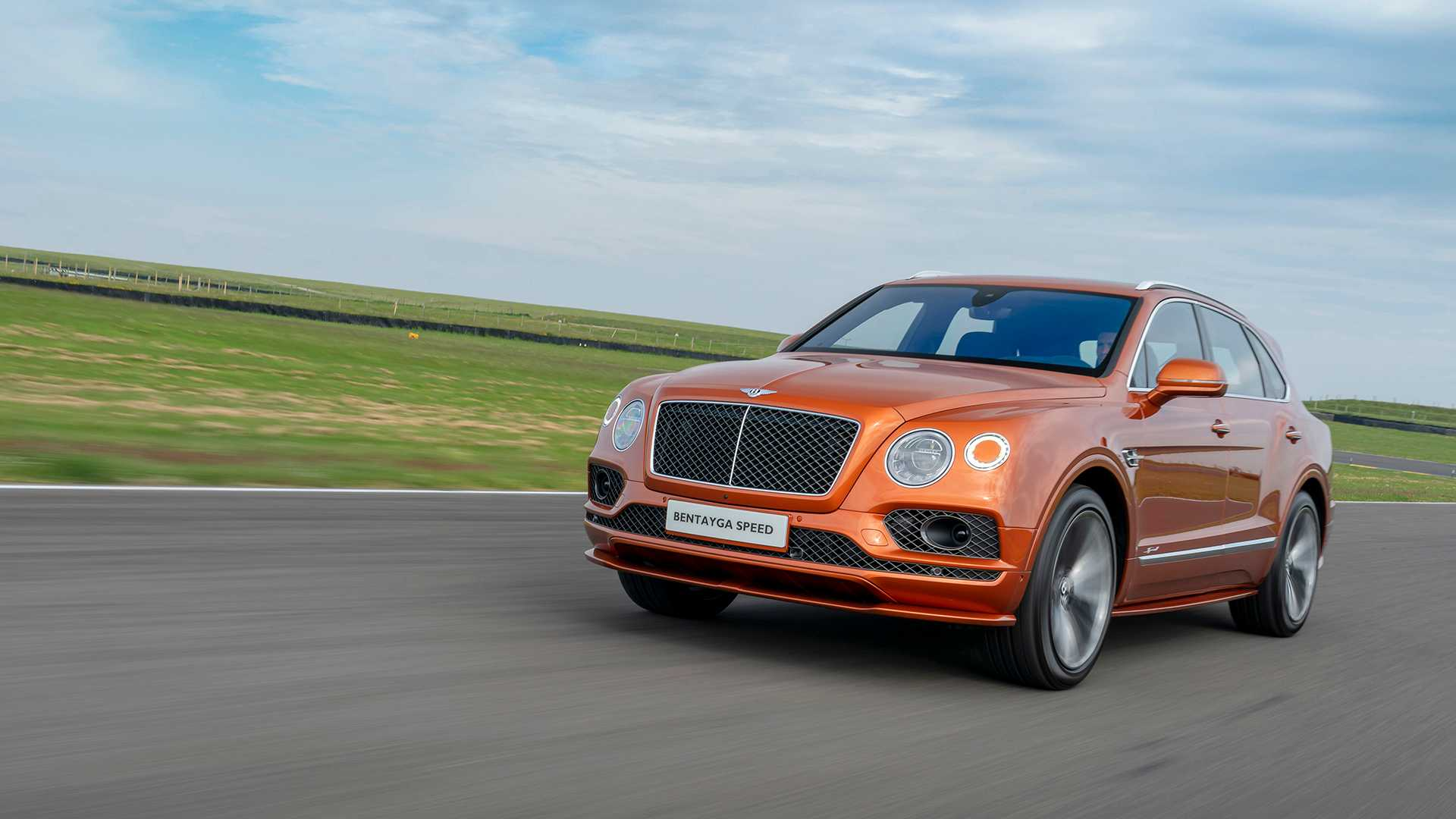 99 A 2020 Bentley Suv Performance And New Engine