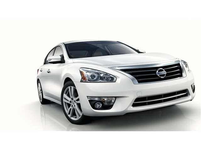 30 The 2013 Nissan Altima Images
