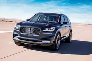 37 A 2020 Lincoln Aviator Vs Volvo Xc90 Pictures