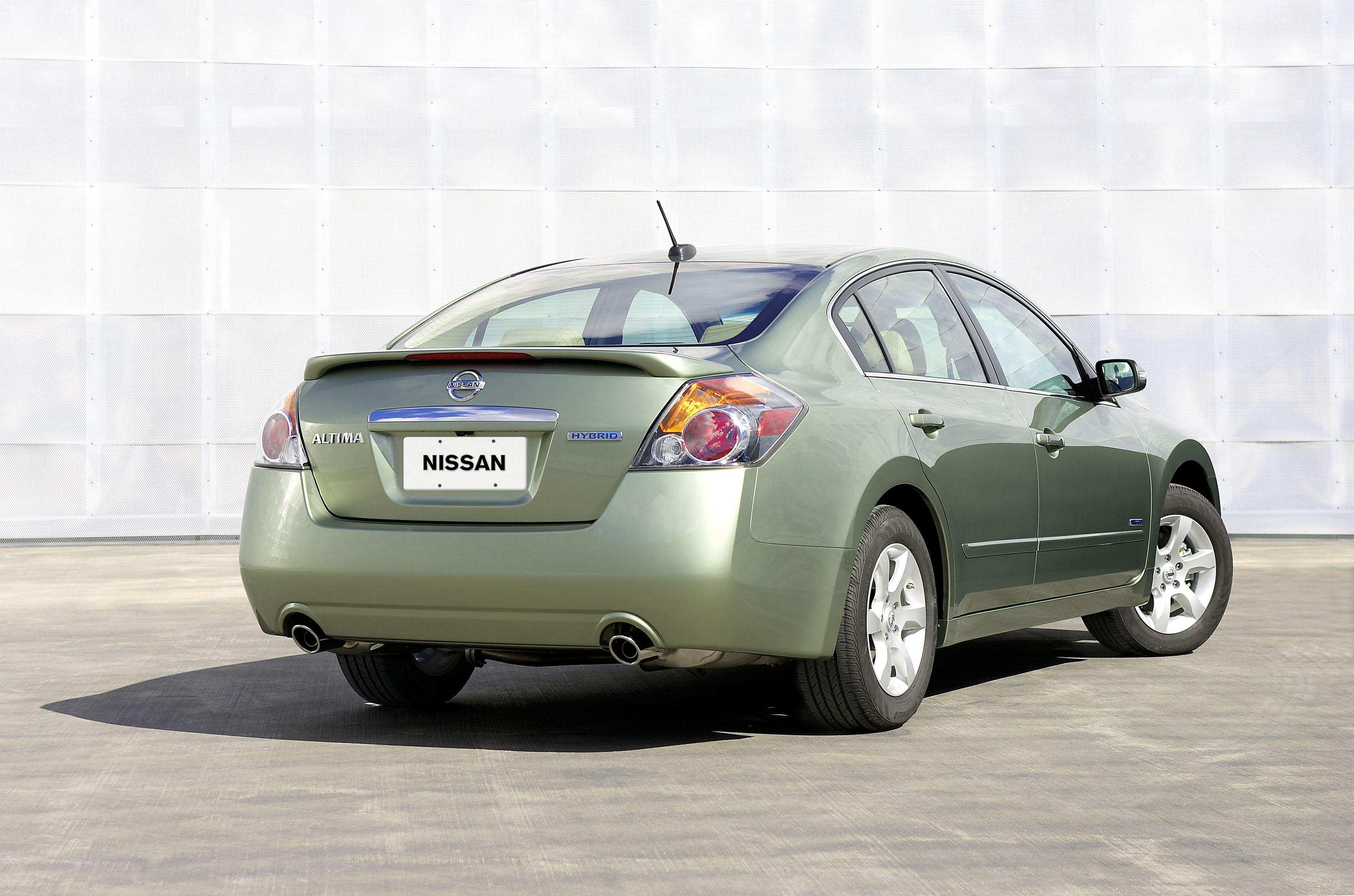 42 A 2007 Nissan Altima Hybrid Ratings