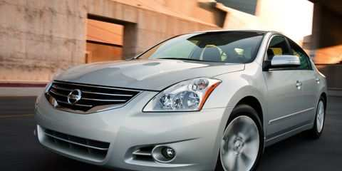 42 A 2010 Nissan Altima Spy Shoot