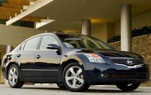 47 A 2009 Nissan Altima Photos
