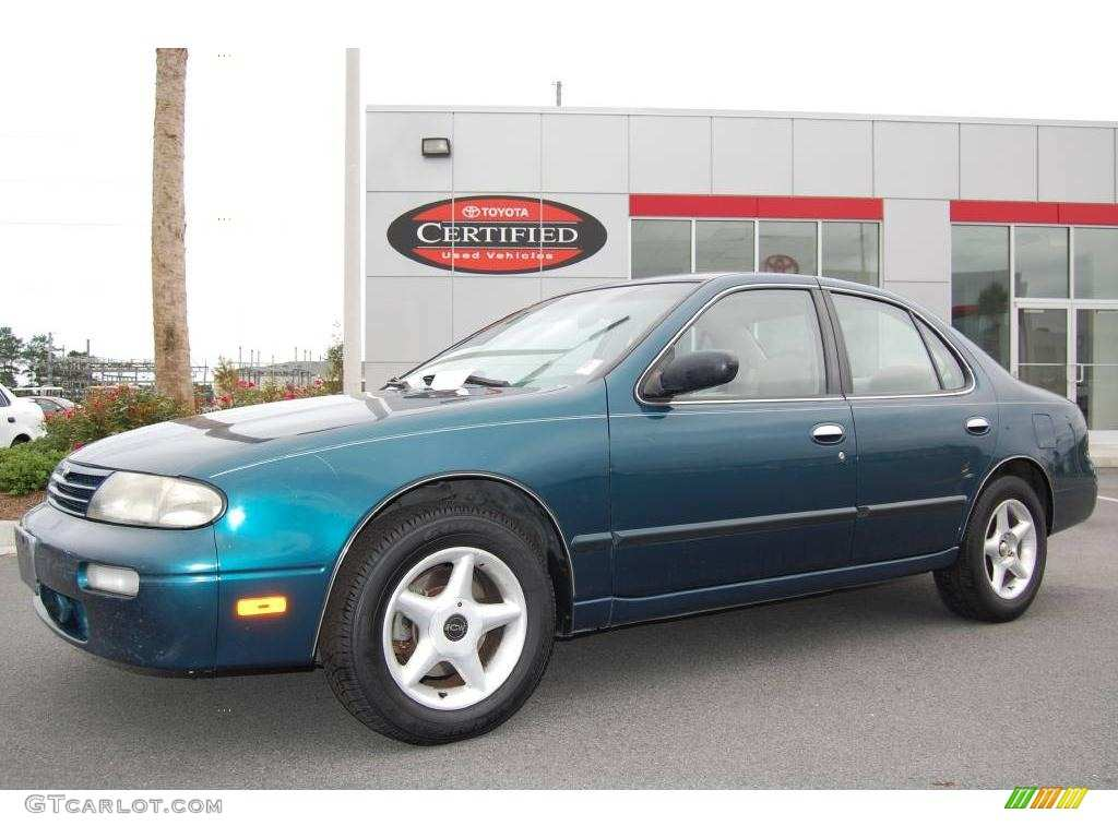 52 The 1996 Nissan Altima First Drive