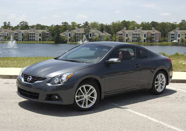 71 All New 2010 Nissan Altima Coupe Picture